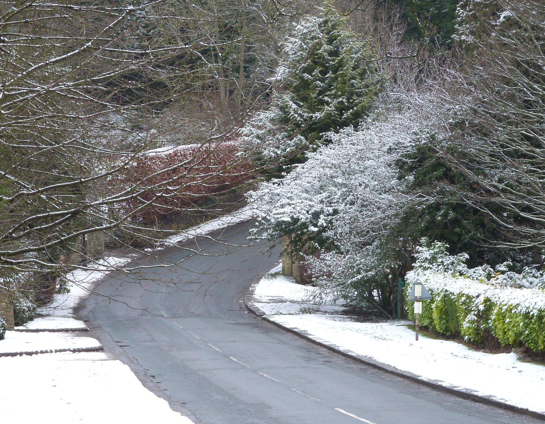 Linton Lane near the Memorial Hall